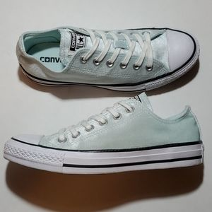 CONVERSE ALL-STAR LOWTOPS, WOMANS SIZE 7 EUC
